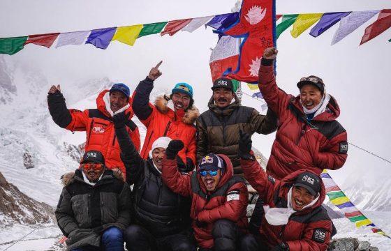 विश्वको दोश्रो अग्लो हिमालमा नेपालीले टेके पहिलो पाइला