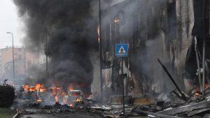भवनमा विमान खस्दा अर्बपतिसहित ८ को मृत्यु